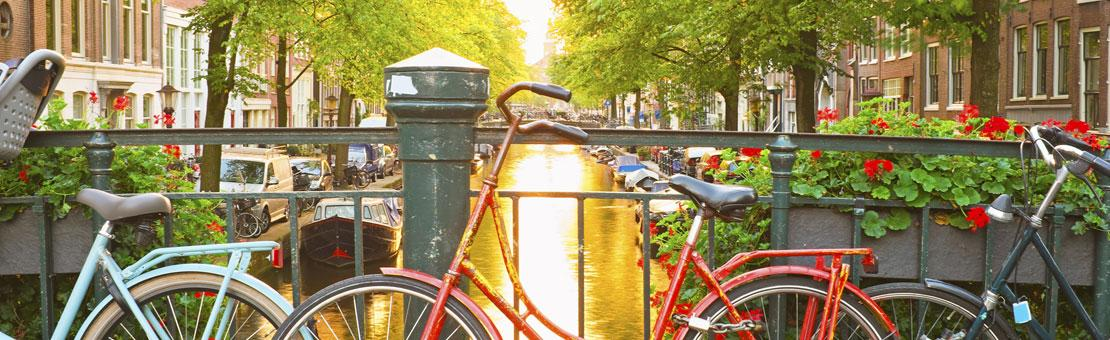 amsterdam bridge bikes
